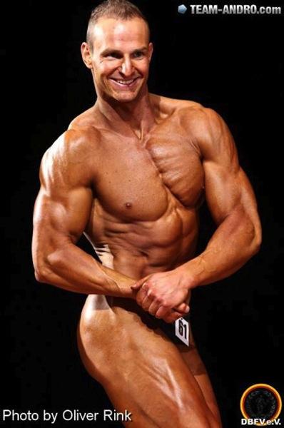 Chris Schmidt Athlet des Monats.jpg