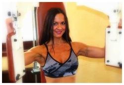 POWERSTAR FOOD Athletin Antonella Trantaki trainiert für die Arnold Classic