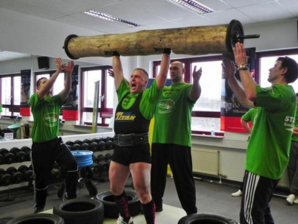 Herbert Leser Athlet des Monats 03 2015 Strong Man.jpg